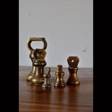 BRASS-ANTIQUE WEIGHT